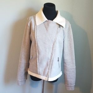 Nice Ladies Michael Kors sweatshirt, size M